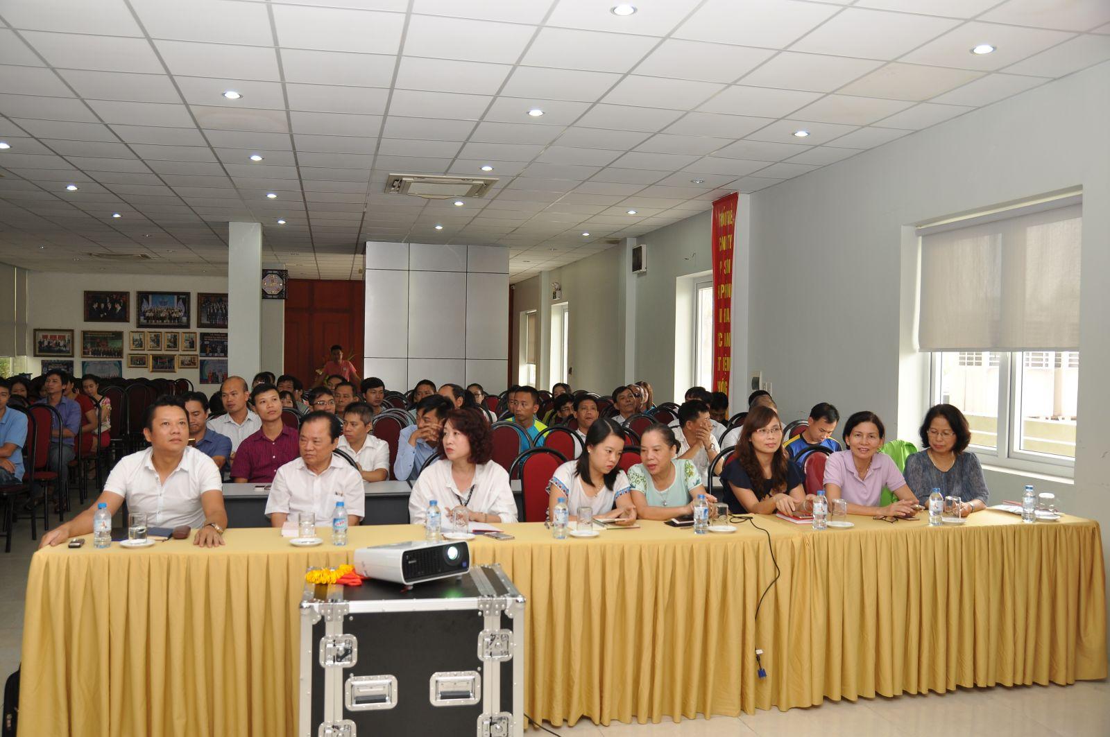 Đảng bộ Tập đoàn VLC tổ chức quán triệt, học tập tuyên truyền triển khai thực hiện NQ đại hội XII của Đảng – NQ đại hội XV đảng bộ thành phố